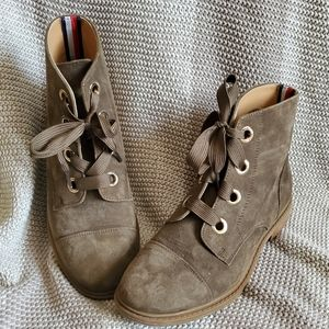 Tommy Hilfiger Boots Size 6